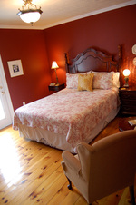 Queenston Suite